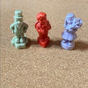 Red rose tea miniature figures
